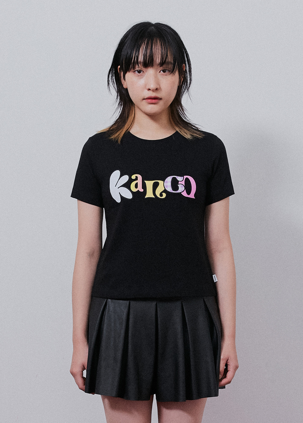 KANCO TYPO CROP TEE black